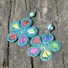 Boucles d'oreilles fleur en paille Fibres, Belly Button Rings, Crochet Earrings, Jewelry, Ears, Boucle D'oreille, Locs, Flowers, Bijoux