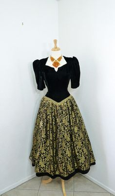 1ead4ae3c1816 Vintage 80s Prom Dress Black Velvet Gold Lace by KMalinkaVintage