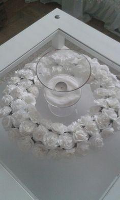 Ensimmäinen suodatinpussi ruusu kranssi