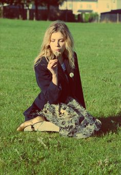 Hannah Murray/Cassie Ainsworth She would be like me best friend.if she were real :( Cassie Skins, Pretty People, Beautiful People, You're Beautiful, Skin Aesthetics, Hannah Murray, Divas, Skins Uk, Grunge
