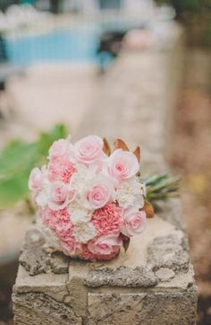 Best wedding bouquets pink carnations roses Id Carnation Bouquet, Mini Carnations, Diy Wedding Bouquet, Card Box Wedding, Floral Wedding, Wedding Ideas, Bridesmaid Bouquets, Trendy Wedding