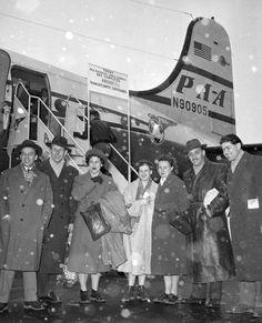 1956, mikor a magyar menekülteken segített a világ - kepek Line Photo, Hungary, Fair Grounds, History, Fun, Historia, History Activities, Lol, Funny