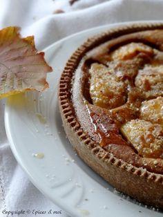 Tarte fondante d'automne { coings, pommes, noisettes et crème de marrons }