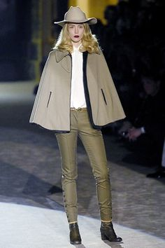 Roberto Cavalli Fall 2007 Ready-to-Wear Collection Photos - Vogue