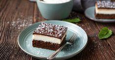 Vynikajúci zákusok svláčnym čokoládovým korpusom avoňavým kokosovým krémom. Chocolate, Tiramisu, Food And Drink, Coconut, Cookies, Baking, Ethnic Recipes, Over 40, Baking Ideas