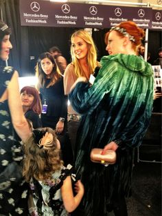 How cute is this, @KarenElsonMusic brought her daughter to #AnnaSui!