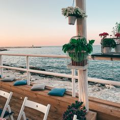 Un aperitivo a trani, una cena sul mare!  Puglia - Trani - tramonto di puglia - la terrazza sul mare - porto di trani - Terrazzo, Restaurant Bar, Outdoor Decor, Design, Home Decor, Dinner, Decoration Home, Room Decor