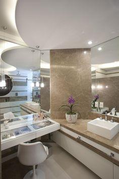 Os projetos de banheiros modernos estão cada dia mais lindos e ousados, tudo para oferecer o máximo de funcionalidade e conforto aos m...