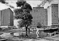 Zona del Centro Internacional de Bogotá hacia 1970 Bella, Cities, City Photography, Bogota Colombia, Old Pictures, Urban, Centre, City