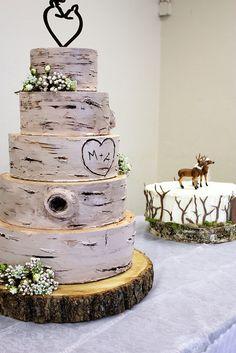 Amazing birch tree wedding cake.