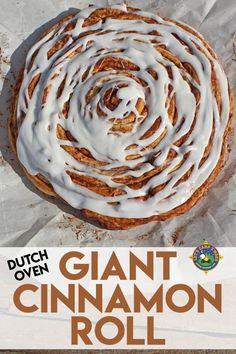Dutch Oven Breakfast, Dutch Oven Bread, Dutch Oven Camping, Camping Breakfast, Breakfast Recipes, Dessert Recipes, Brunch Recipes, Camping Desserts, Camping Meals