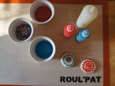 Roul'Pat is the ideal non-stick surface for decorating cookies.
