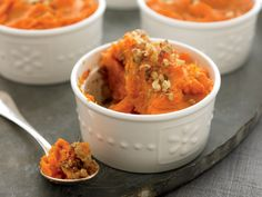 Whipped Sweet Potato Casseroles - low sugar and diabetic healthy. Flax seeds and walnuts top this delicious recipe. Diabetic Snacks, Healthy Snacks For Diabetics, Diabetic Recipes, Healthy Eating, Cooking Recipes, Healthy Recipes, Diabetic Menu, Clean Eating, Sweet Potato Casserole