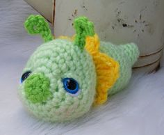 Free Pattern for cute Flower Bug from tericrews.blogspot.com she also has some pretty designs to purchase too