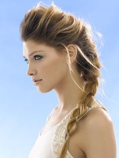 1st of April and Spring is here! The braid is making a huge revival this season and what better to celebrate hairstyle of the week but the classic french braid!
