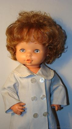 MUÑECA CHELITO DE FAMOSA Vintage Dolls, Nostalgia, Disney Princess, Disney Characters, Doll Outfits, Baby Dolls, Mockup, Activity Toys, Antique Dolls