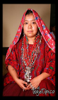 Mujer Maya con sus Chachales.
