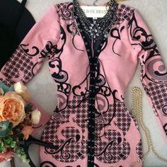 Vestido Luciana Jacquard Premium C/ BOJO ( Estampa Arabescos Rosê e Preto)