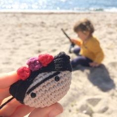 Finished just one more of this little Frida brooch while my little man is playing on the beach! Oh and don't forget to stop by on monday for my free pattern☺ have a nice day! #amigurumi #amigurumis #craftastherapy #craft #crochet #crochetaddict #crochetersofinstagram #yarn #yarnaddict #häkeln #ganchillo #örgü #organik #organikoyuncak #toys #cotton #handmade #crocheting#etsy #etsyfinds #fridakahlo #frida #brooch #makersgonnamake #dolls #dollmaker