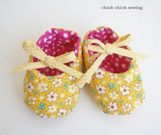 chick chick sewing: Handmade Reversible Baby Shoes and My Blog Tour Coming Up! 手作りベビーシューズと、もうすぐブログツアー開始♪