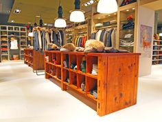 #Woolrich Store in Munich: other pictures!  #fashion #style #interior #design #architecture