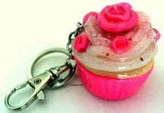 Porta-chaves Cupcake em Polymer Clay (Cernit)   Cupcake keychain in Polymer Clay (Cernit)
