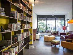 כריות של קאס בדירה מרשימה בעיצוב מרב שדה צילום סיון אסקיו כתבה במאקו ליבינג