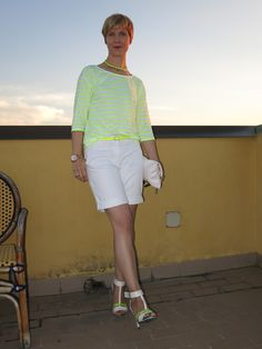 white shorts with neonyellow #neonyellow #shorts #stripes #boden