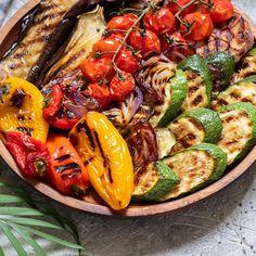Grilled Vegetable Recipes, Grilled Asparagus Recipes, Grilled Veggies, Vegetarian Recipes, Cooking Recipes, Healthy Recipes, Healthy Food, Grilled Eggplant, Planks