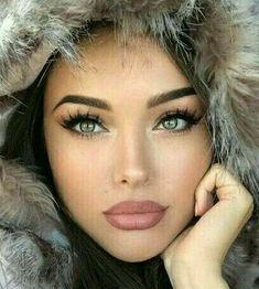 Lovely eyes, shaped like a cat's eyes.