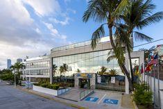 O Praiamar Natal Hotel & Convention está localizado a 50 metros da Praia de Ponta Negra, na melhor região de Natal. Rio Grande Do Norte, Surf, Street View, Mansions, House Styles, Water Playground, Play Areas, Littoral Zone, Surfing