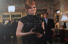 Rene Russo in The Thomas Crown Affair. this is probably my least favorite outfit in the movie. I think it is because of the hairdo Auntie Mame, Thomas Crown Affair, Rene Russo, Michael Kors Fashion, Make Beauty, Hippie Chic, Hair Looks, Business Women, Bangs