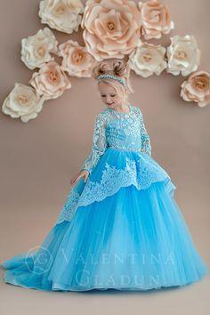 Cute Flower Girl Dresses, Girls Blue Dress, Gowns For Girls, Wedding Dresses For Girls, Pretty Dresses, Beautiful Dresses, Girls Dresses, Dress Girl, Birthday Girl Dress
