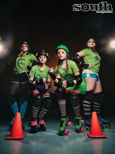 Meet the Savannah Junior Derbytaunts! Formed in Junior Roller Derby Derby Skates, Quad Skates, Daddys Little Monster, Derby Time, Skate Girl, Young Female, Roller Derby, Kitty Kitty, 5 Seconds