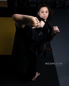 Martial Arts Styles, Martial Arts Women, Mixed Martial Arts, Taekwondo Girl, Karate Girl, Female Martial Artists, Mixed Girls, Action Poses, Judo