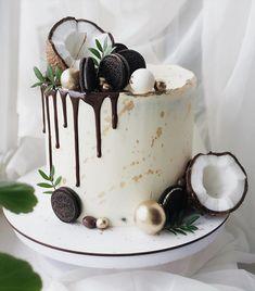 Candy Birthday Cakes, Elegant Birthday Cakes, Beautiful Birthday Cakes, Fancy Desserts, Delicious Desserts, Buttercream Cake Designs, Dessert Cake Recipes, Crazy Cakes, Drip Cakes