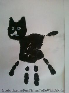 Black cat handprint, art for kids Handprint gato negro, arte para niños Daycare Crafts, Classroom Crafts, Cat Crafts, Animal Crafts, Daycare Rooms, Theme Halloween, Halloween Crafts For Kids, Toddler Art, Toddler Crafts