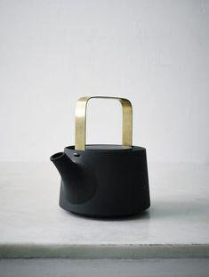 THE GREEN HOUSE #blackteapot #ceramics #wishlist