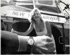 Marilyn Monroe lands in New York by helicopter, 1957.