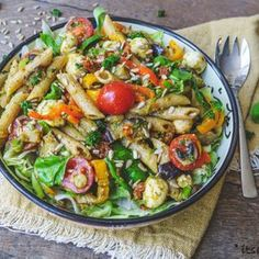 This is how you make the most delicious pasta salad - It& a food life A Food, Good Food, Food And Drink, Yummy Food, Appetizer Recipes, Salad Recipes, Dinner Recipes, Quick Healthy Meals, Healthy Recipes