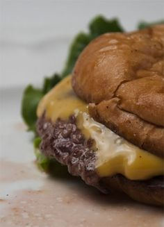 This is how they make those great skinny, crispy hamburgers in diners, better than any fast food quarter pounders.