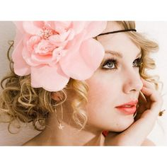 1024x768 Taylor Swift Pink Flower wallpaper for PC, Mac, iPhone and iPad found on Polyvore featuring women's fashion, accessories, hair, taylor swift, people and hairstyles
