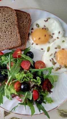 Eggs with seeds and summer salad <3