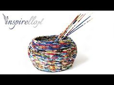 Como hacer cestas de periódico con tapa. How to make newspaper basket with top. - YouTube