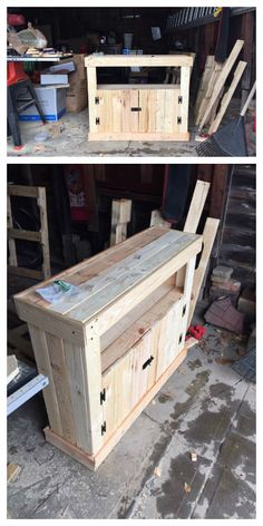 I needed a nice piece of furniture that could sit at the top of my staircase in my home. I was kicking the idea around of buying something. But, I work with pallets and figured if I took some home…