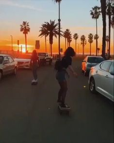 Summer Aesthetic, Aesthetic Grunge, Aesthetic Collage, Adventure Time Tattoo, Wow Photo, Venice California, Adventure Aesthetic, Skate Girl, Longboarding