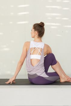 It's our most favorite time of year! When many of our yoga brands update their lines with exciting new pieces and trends that have us going crazy with Spring fever. Alo Sport one of those favorites are here in full bloom with their new yoga leggings, yoga pants, and tops in the Spring/Summer 2014 collection! Check it out today at http://evolvefitwear.com