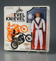 Outstanding Evel Knievel package and cool-ass design obscures the fact that this is really a cheap-ass rubber bendie figure. 1970s Toys, Retro Toys, Vintage Toys, Childhood Toys, Childhood Memories, 1970s Childhood, Gi Joe, Evel Knievel Toys, Toy Packaging