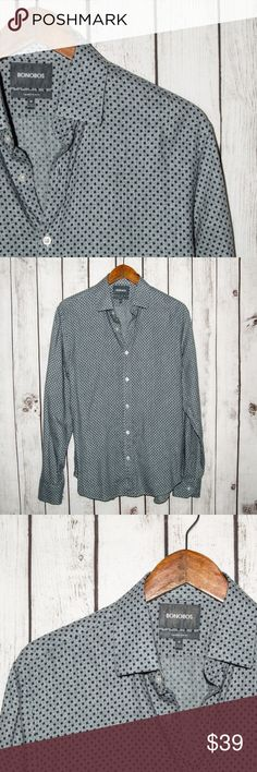 """BONOBOS Tailored Slim Fit Button Front Shirt BONOBOS Tailored Slim Fit Men's Button Front Shirt Gray W/ Blue print Size Medium  Size:  Medium (Please SEE measurements)  Shoulder to Shoulder: 18""""  Chest (armpit to armpit): 20.5""""  Length : 29""""  Sleeves: 26""""  Condition: Good overall Condition.  Color(s): Gray  Item # 17091357 Bonobos Shirts Casual Button Down Shirts"""