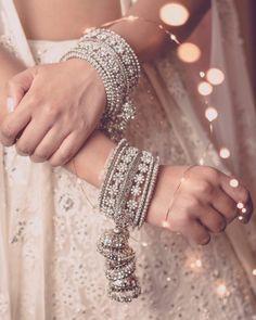 Indian Jewelry Earrings, Indian Jewelry Sets, Fancy Jewellery, Jewelry Design Earrings, Indian Wedding Jewelry, Indian Jewellery Design, Stylish Jewelry, Luxury Jewelry, Silver Jewelry